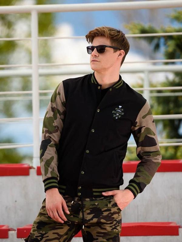 Stylizacja nr 253 - bluza bez kaptura, spodnie bojówki